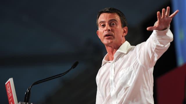 Le Premier ministre Manuel Valls a connu un échange mouvementé avec un jeune militant du PS, le week-end dernier, à La Rochelle.
