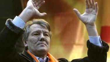 Victor Iouchtchenko, le 28 novembre 2004, était président d'Ukraine entre 2005 et 2010.