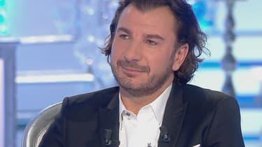"""Michël Youn sur le plateau de """"Salut les terriens!"""""""