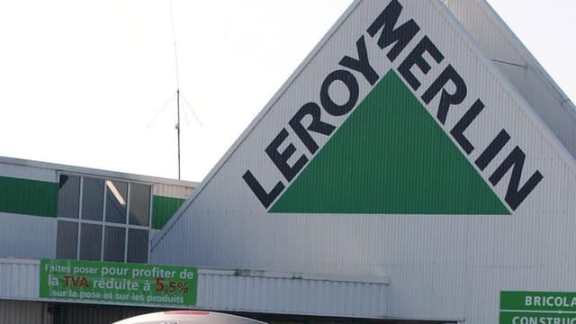 Leroy Merlin déploie dans ses 136 magasins la plateforme Frizbiz et sa communauté de 150.000 bricoleurs prêts à aider les clients de l'enseigne.