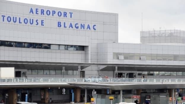 La cession des 49,9% de l'Etat dans l'aéroport de Toulouse doit rapporter un peu plus de 300 millions d'euros.