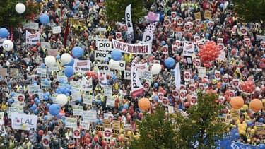 De nombreuses manifestations ont lieu en Finlande contre l'austérité.