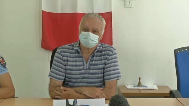 Le maire de Gréolières (Alpes-Maritimes), Marc Malfatto, lors d'une conférence de presse le 20 juillet 2021.