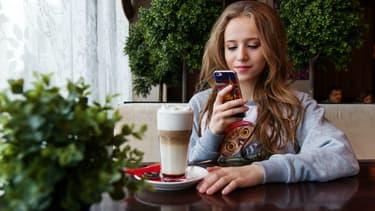 Amazon devant Gmail et Facebook, l'étonnant classement des applications jugées les plus indispensables par les jeunes.