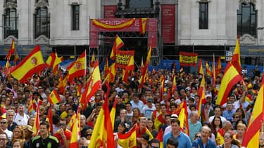 La manifestation contre l'indépendance de la Catalogne a réuni 10.000 personnes à Madrid le 30 septembre 2017