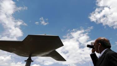 Un concept de drone du britannique BAE Systems. François Hollande a affirmé vendredi sa volonté d'ouvrir une nouvelle étape de l'Europe de la défense pour mutualiser les moyens dans un contexte de restrictions budgétaires, processus qu'il entend nourrir d