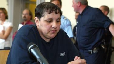 Myriam Badaoui lors de son procès, le 22 juin 2004. Elle a été condamnée à 15 ans de réclusion criminelle puis libérée en 2011.