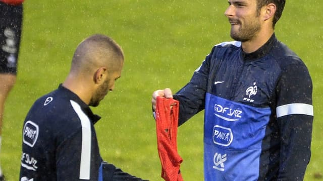 Passation de pouvoir entre Giroud et Benzema ?
