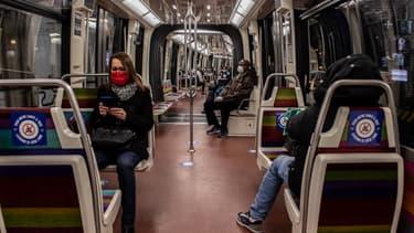 Le métro parisien ce lundi 11 mai, premier jour du déconfinement.