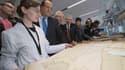 """Le président français a dit lundi lors de l'inauguration des nouveaux bâtiments des Archives nationales de Pierrefitte-sur-Seine, près de Paris, son """"refus d'enfermer l'Histoire, de la figer, de la centraliser pour parfois essayer de la contrôler"""", repous"""