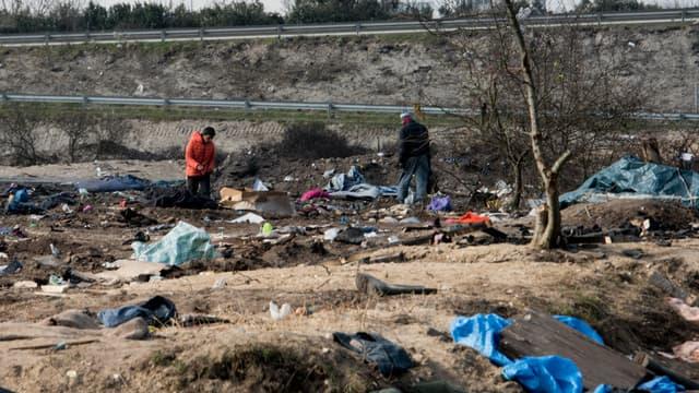 Le démantèlement du campement sud de migrants à Calais s'est achevé mercredi.