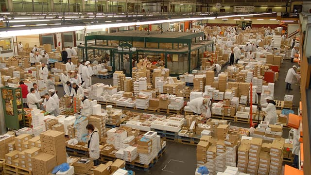 En 2013, le Marché de Rungis a reçu 1 478 426 tonnes de produits alimentaires. Son chiffre d'affaire est en hausse de 3,8%