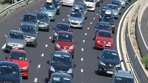Le Centre national d'information routière a dénombré 250 km de bouchons cumulés samedi à la mi-journée (photo d'illustration).