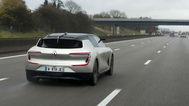 Renault avait présenté l'an dernier cette voiture autonome capable d'évoluer seule sur l'autoroute.