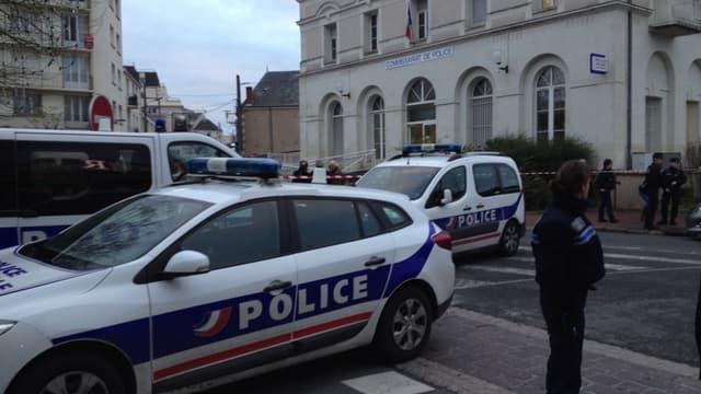 """Deux policiers blessés dans un """"guet-apens"""" à Arles"""