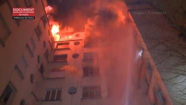 Le feu s'est déclaré dans un immeuble du 16e arrondissement.