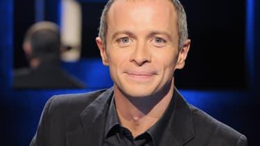 Le présentateur Samuël Etienne le 3 octobre 2008 dans un studio de la plaine Saint-Denis