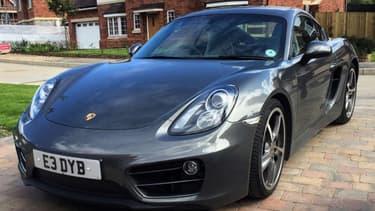 Cette Porsche est en vente pour 20 livres, soit l'équivalent de 22 euros, sur internet, en Grande-Bretagne.