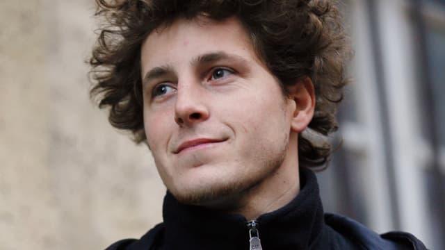 """L'écologiste Julien Bayou a déposé un recours devant le Conseil d'Etat ce vendredi contre """"la décision de Manuel Valls de n'autoriser l'encadrement des loyers qu'à Paris""""."""