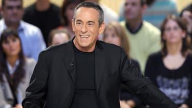 """Thierry Ardisson sur le plateau du """"Grand Journal"""" de Canal+ en 2009"""