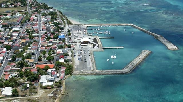 La Guadeloupe est coupée d'eau depuis lundi à la suite d'une grève de la Générale des eaux.