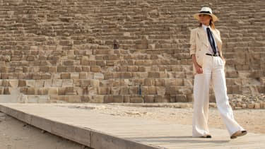 Melania Trump devant la grande pyramide de Gizeh, le 6 octobre.