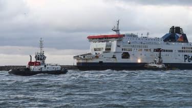 Image d'illustration de bateaux dans le port de Calais