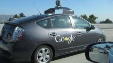 A l'instar de Google, qui teste depuis quelques temps une voiture sans conducteur, Toyota et Audi vont présenter leurs propres prototypes lors du CES 2013.
