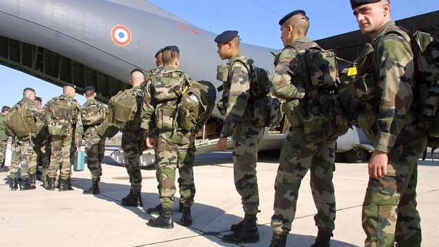 L'armée de terre vérifie actullement la solde de 120.000 militaires et civils
