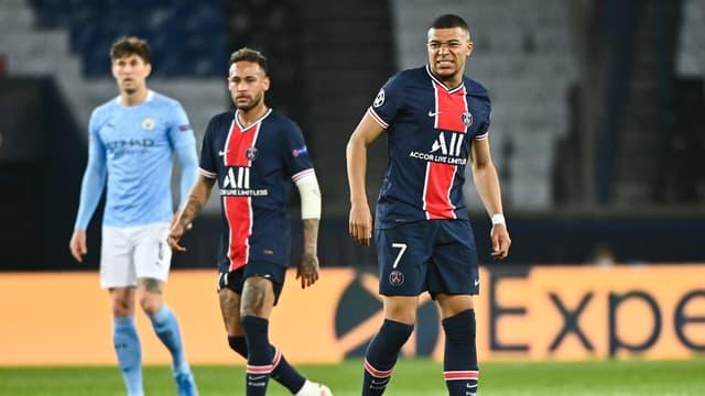 Neymar (à gauche) et Kylian Mbappé