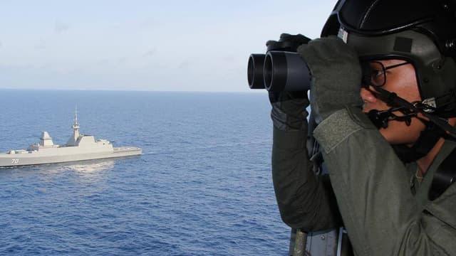 La marine de Singapour participe aux recherches pour tenter de localiser le Boeing 777 de la Malaysia Airlines mystérieusement disparu le 8 mars.
