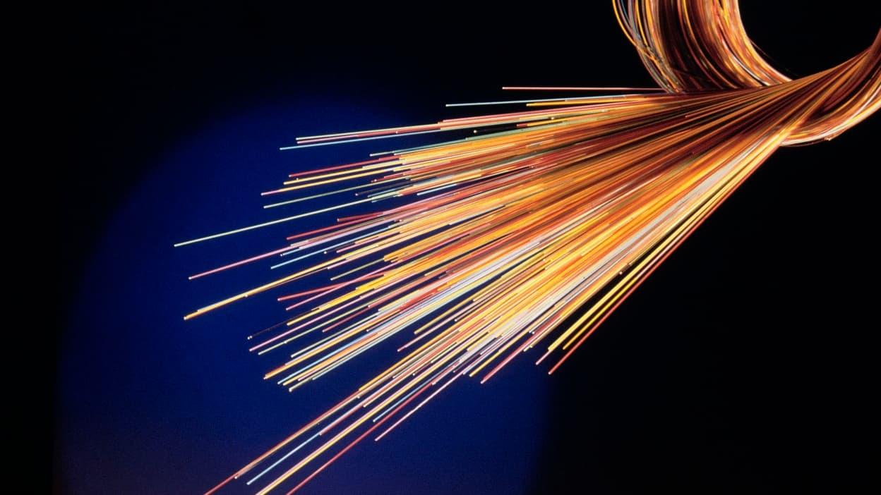 Le confinement provoque des abonnements record à la fibre optique