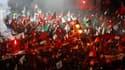 Plusieurs dizaines de milliers de partisans d'Ennahda -au moins 150.000 selon le parti- ont manifesté samedi soir dans le centre de Tunis pour soutenir le gouvernement islamiste modéré, lors de l'une des plus importantes mobilisations de rue en Tunisie de