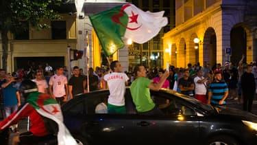 A Marseille, des supporters de l'équipe algérienne sont sortis manifester leur joie dans les rues.