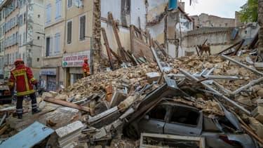 Vue des deux immeubles effondrés rue d'Aubagne à Marseille, le 5 novembre 2018
