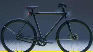 Ce vélo aux allures classique est électrique, connecté et intelligent