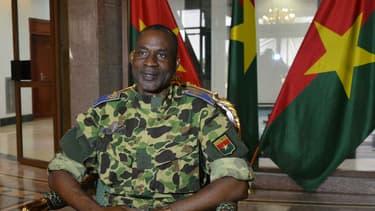 Le général Gilbert Diendéré au palais présidentiel de Ougadougou, après le coup de la garde présidentielle, le 17 septembre 2015.