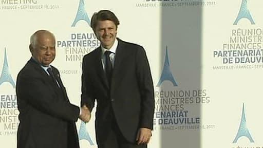 Hazem el-Beblawi, lorsqu'il était ministre des Finances, en 2011. Ici avec François Baroin.