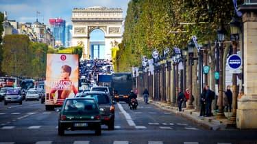 Les Champs-Elysées seront réservés une fois par mois aux piétons à partir du 3 avril - Mercredi 6 janvier 2016