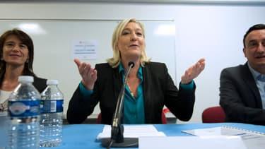 """La présidente du FN, Marine Le Pen a lancé le collecif """"Racine"""", censé rapproché son parti du monde de l'éducation"""