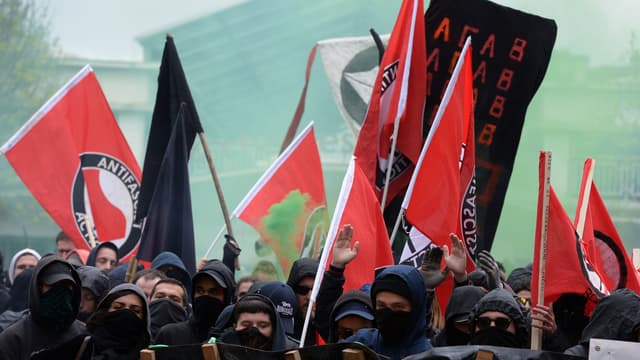 Quelques heurts ont éclaté lors d'une manifestation contre Marine Le Pen, à Bordeaux.