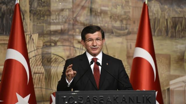 Le Premier ministre turc lors d'un discours à Istanbul, le 18 octobre 2015.