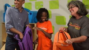 Barack Obama en visite dans une école jeudi 11 septembre.