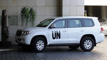 Deux véhicules blancs de l'ONU ont franchi le point de passage de Qouneitra côté israélien. Image d'Illustration.