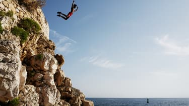 (Photo d'illustration) Lundi 19 août, un Suisse de 50 ans s'est noyé après avoir fait un saut de 15 mètres dans une rivière en Haute-Corse.