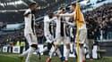 Cristiano Ronaldo tombent dans les bras de ses coéquipiers