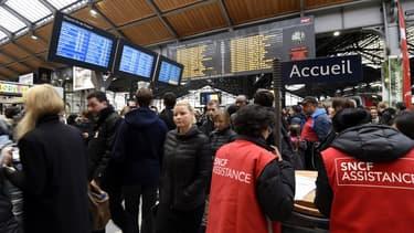 Les trains de banlieue parisienne sont les plus perturbés.