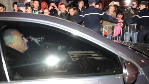 Dominique Strauss-Kahn à la sortie de sa garde à vue à Lille, le 22 février 2012