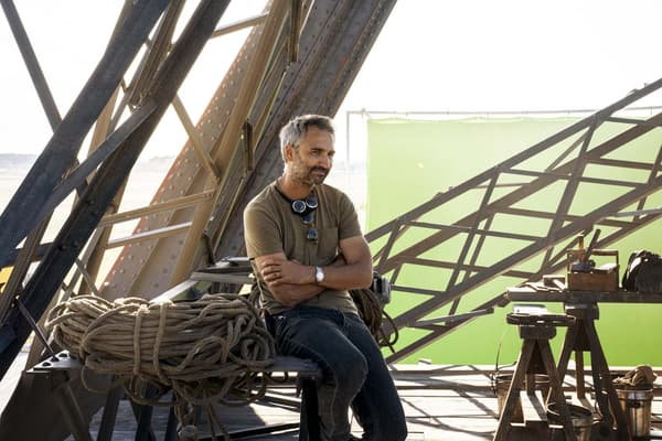 """Le réalisateur Martin Bourboulon sur le tournage de """"Eiffel"""""""