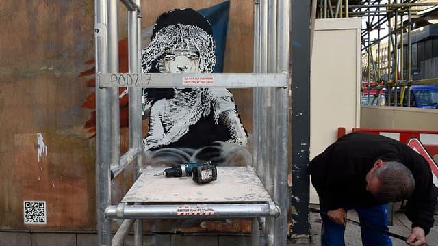 Un graffitti de Banksy, à Londres.